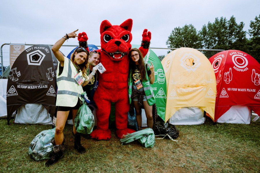 Quiz: Are you a Download Festival recycling legend?
